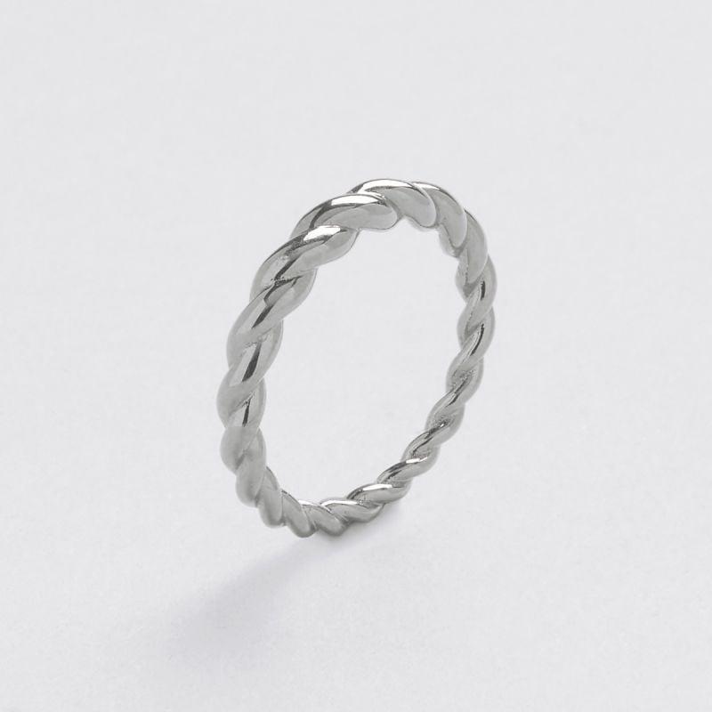 Donna asymmetric ring