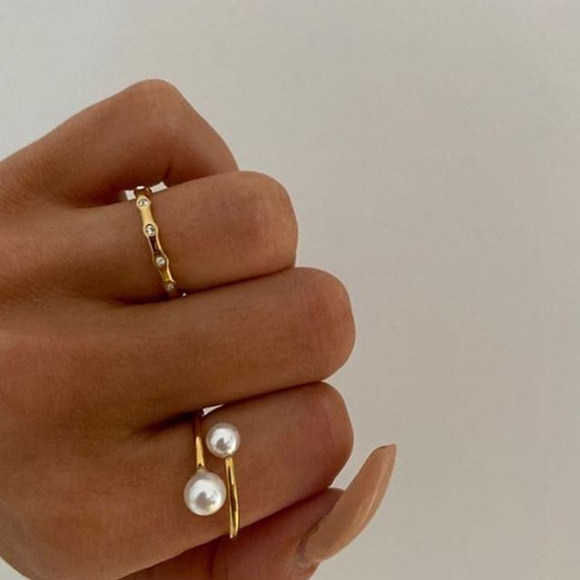 Rings on rings (Photo: @alvzz_ ) #marcmirren #detailsbyMM