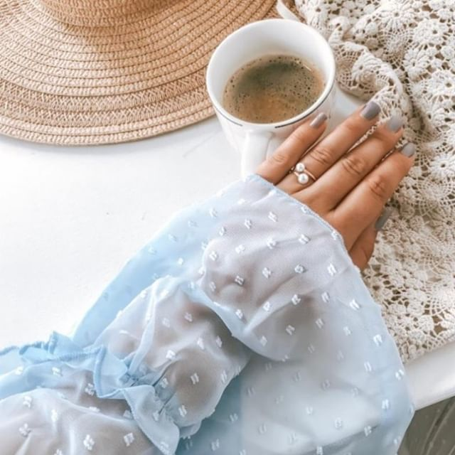 We all need a coffee break and a summerish outfit! ☕☀️ (Photo: @_mandinea ) #MarcMirren #DetailsbyMM