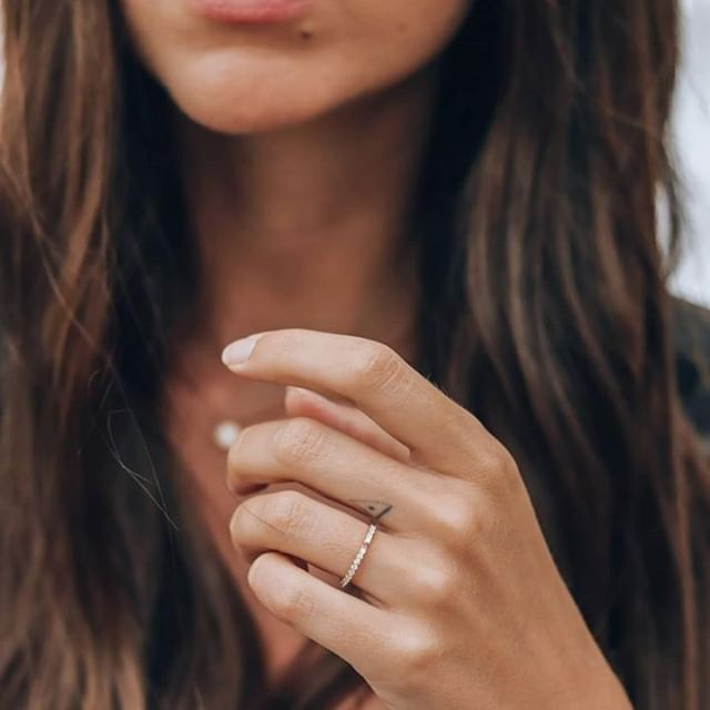 Beautiful @modeandsome in our dainty everyday staple ring, Sofia White