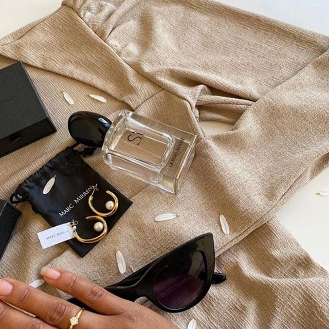 Friday essentials shown by @sajcharoen #detailsbyMM #marcmirren ✨