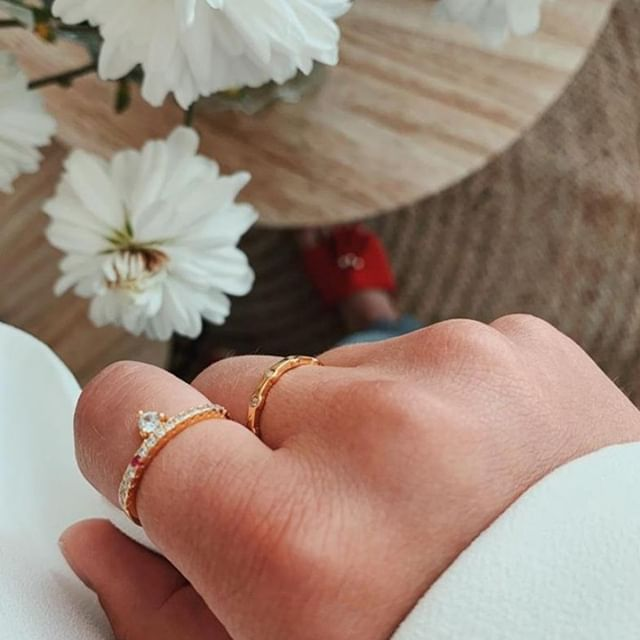 Stunning @mariestenlund wearing the Freja and Konstellation rings