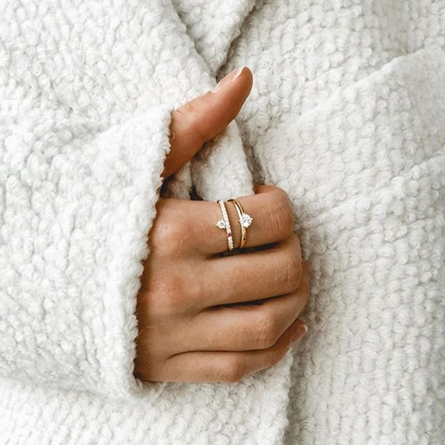 Find that effortless style by stacking our dainty Ella and Freja rings