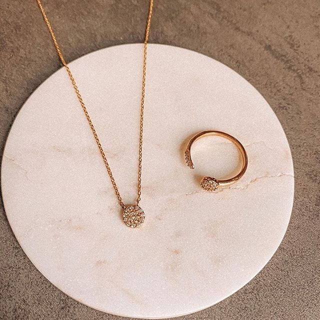 To master the art of layering neckalces, check out our new article, under 'Edit' on the website