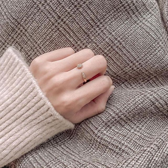Stay warm and chic with our Alva Open ring ✨ (Photo: @_smile706 ) #MarcMirren #DetailsbyMM